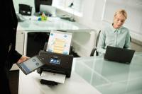 Brother ADS-3600W asiakirjaskanneri mobiili- ja NFC-yhteyksin
