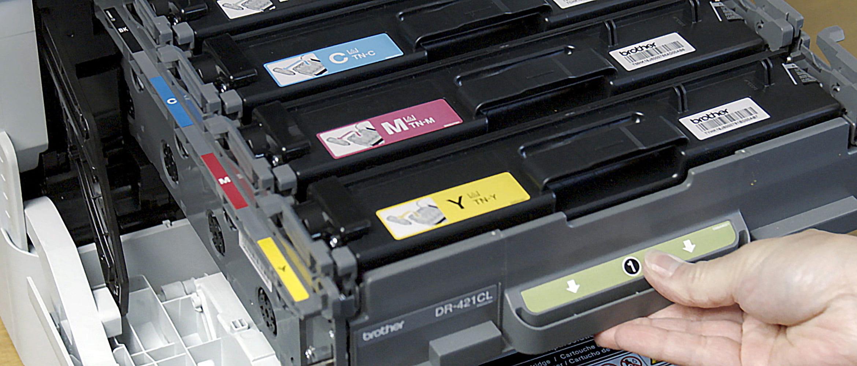 Laserkasetin vaihto