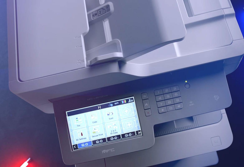 Brother MFC-L9570CDW -lasermonitoimilaitteen kosketusnäytössä näkyy useita kuvakkeita