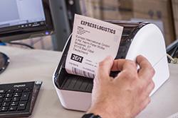 QL1100-etitulostimella voit tulostaa lähetteitä