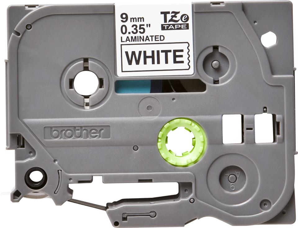 Alkuperäinen Brother TZe221 -tarranauha – musta teksti valkoisella pohjalla, 9 mm.  2