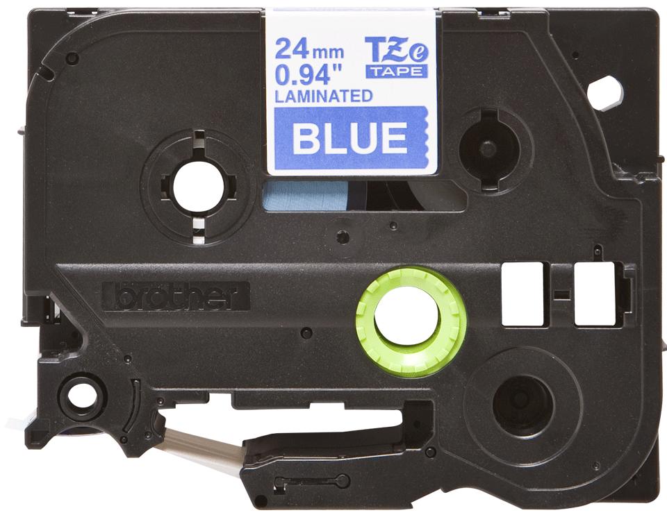 Alkuperäinen Brother TZe555 -tarranauha – valkoinen teksti sinisellä pohjalla, leveys 24 mm