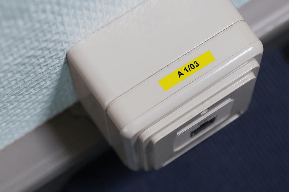 Alkuperäinen Brother TZe611 -tarranauha – musta teksti keltaisella pohjalla, 6 mm 4