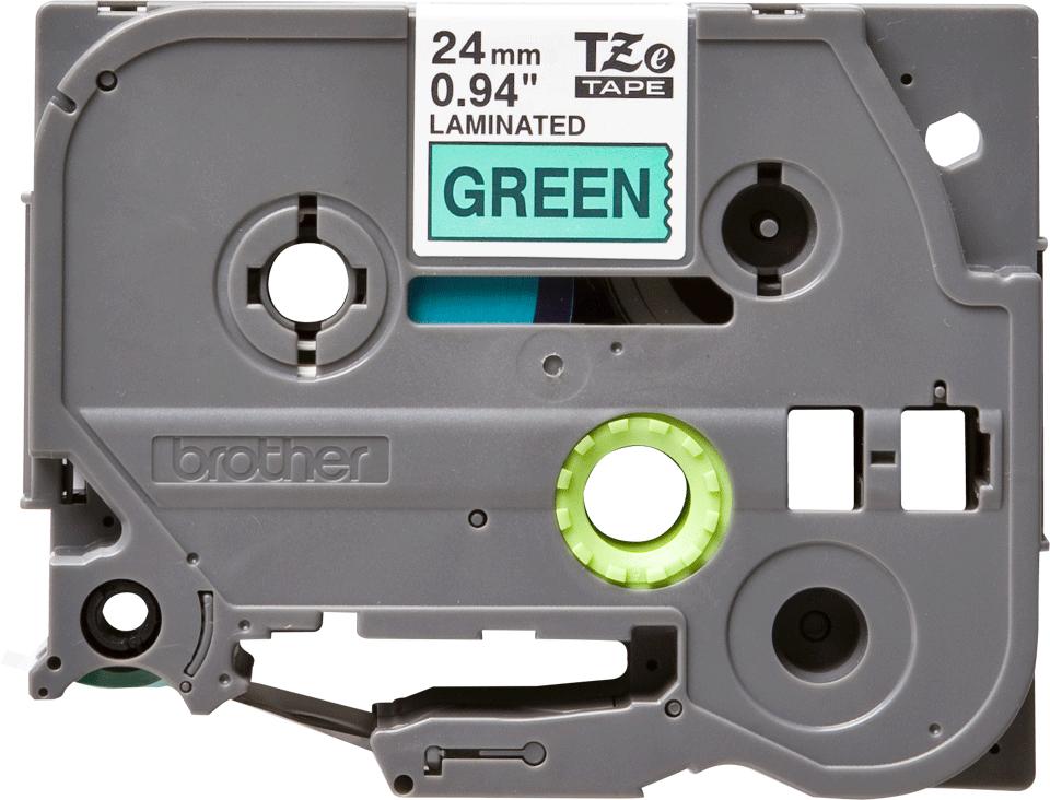 Alkuperäinen Brother TZe751 -tarranauha – musta teksti vihreällä pohjalla, leveys 24 mm