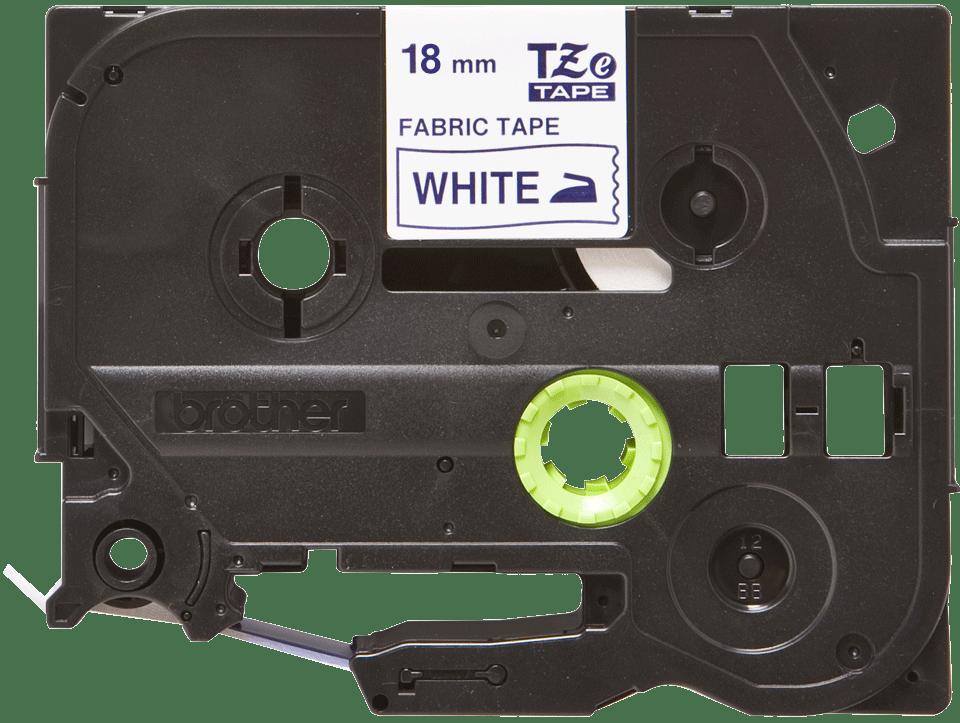 Alkuperäinen Brother TZeFA4 -kangastarranauha – sininen teksti valkoisella pohjalla, 18 mm 2