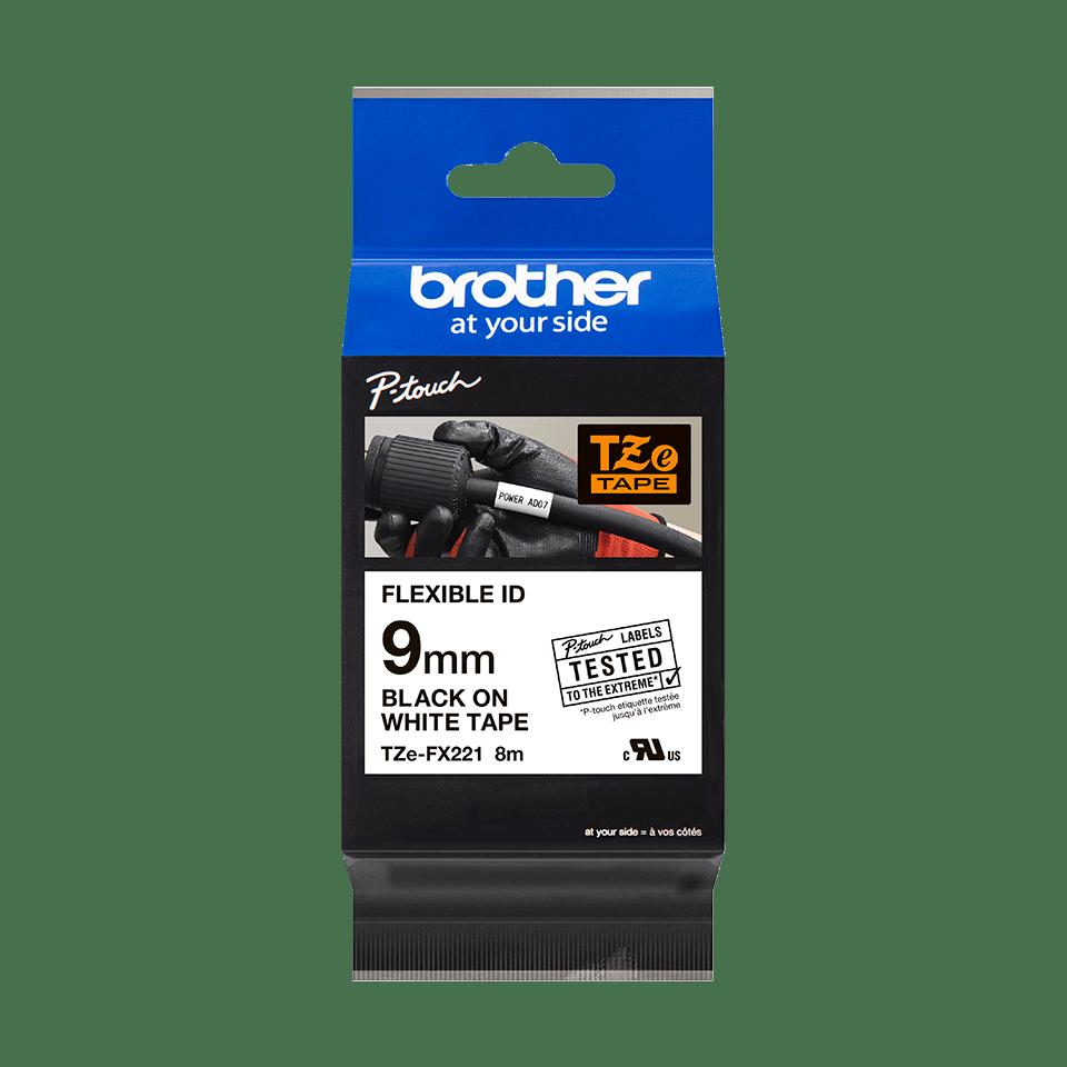 Brotherin alkuperäinen taipuisa TZeFX221-tarranauha, musta teksti/valkoinen pohja -  9 mm 2