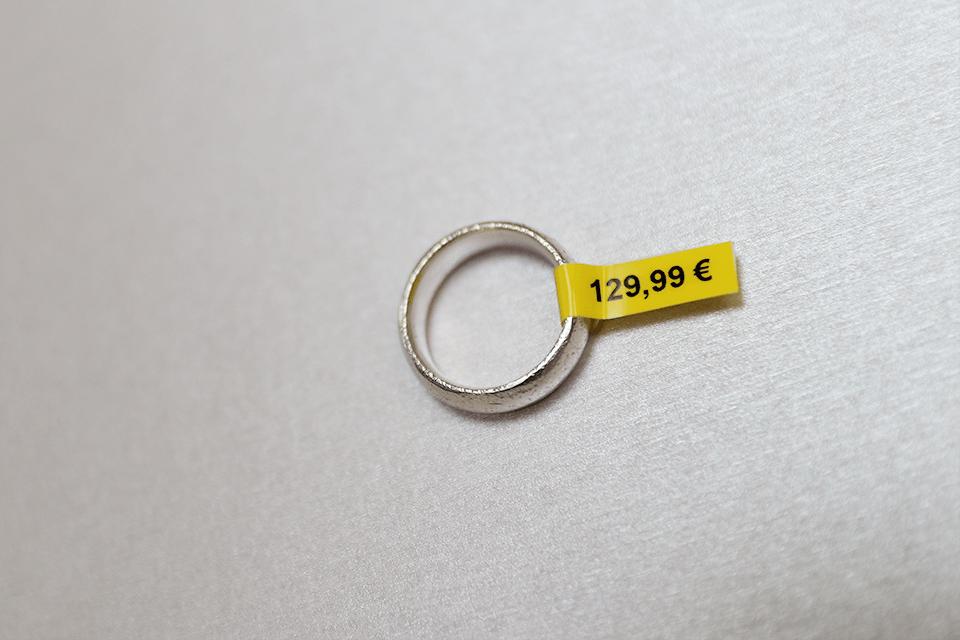 Alkuperäinen Brother TZeFX611-taipuisa tarranauha – musta teksti keltaisella pohjalla, 6 mm 4