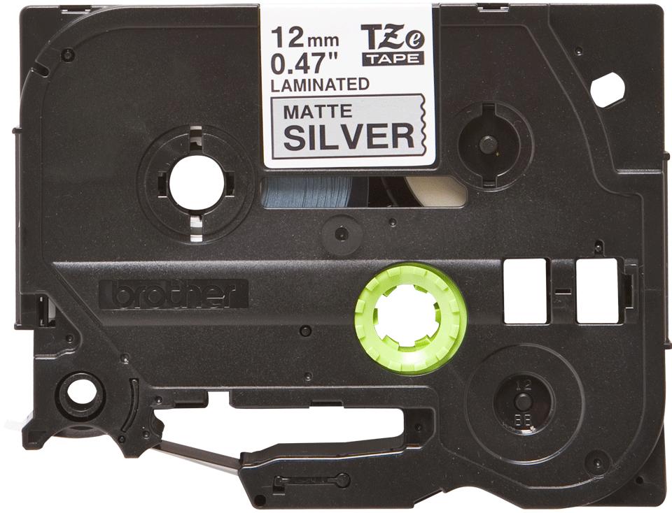 Alkuperäinen Brother TZeM931 -mattametallitarranauha, musta teksti mattahopea pohja, leveys 12 mm.