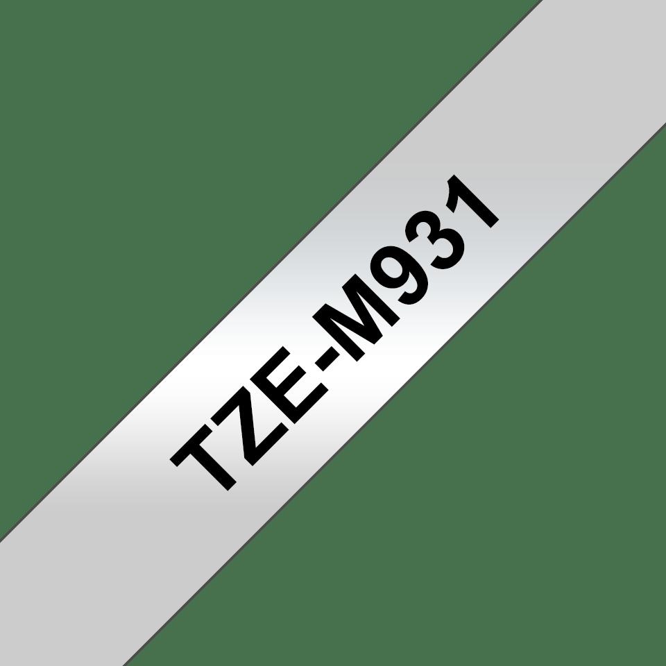 Alkuperäinen Brother TZeM931 -mattametallitarra – musta teksti mattahopealla pohjalla, 12 mm.