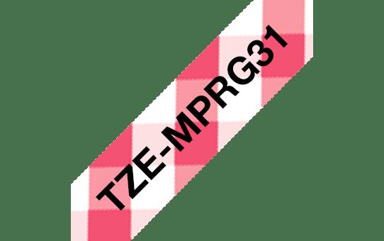Alkuperäinen laminoitu Brother TZeMPRG31 -tarranauha, musta teksti punavalkoruututaustalla 3