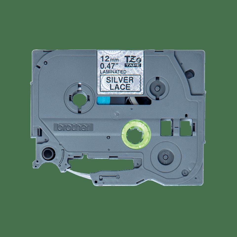 Alkuperäinen Brother TZeMPSL31 -tarranauha – musta teksti hopeanvärisellä pitsikuvioidulla pohjalla, leveys 12 mm