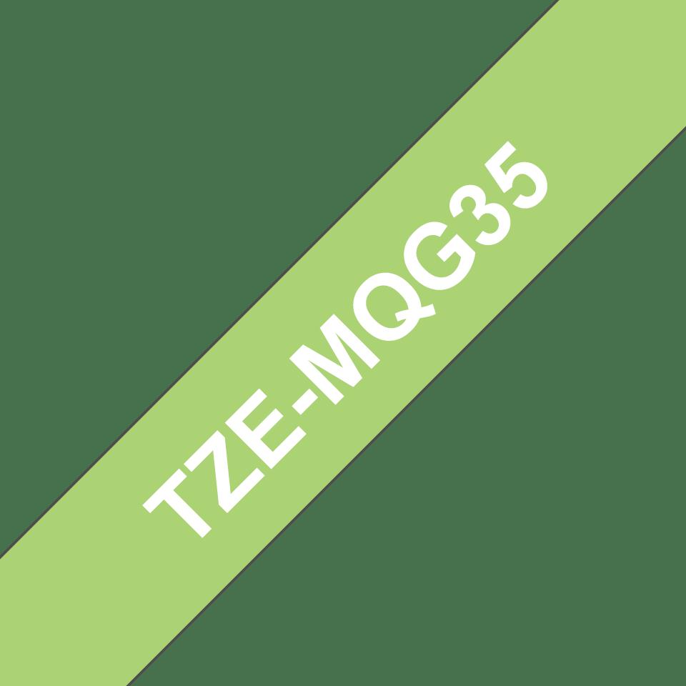 Alkuperäinen Brother TZeMQG35 -tarranauha – valkoinen teksti limenvihreällä pohjalla, 12 mm