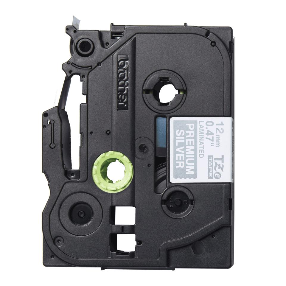 Alkuperäinen Brother TZePR935 -premium tarranauha – valkoinen teksti hopeisella pohjalla, 12 mm 2